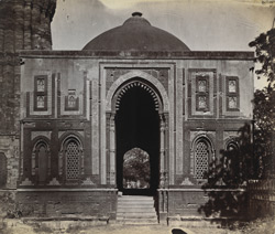 General view of the exterior of the Alai Darwaza, Delhi